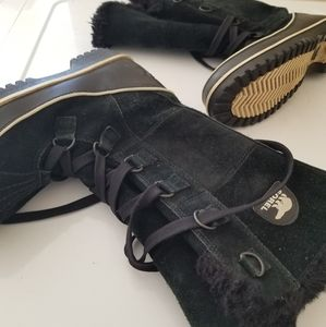 $300 Sorel womens snow boots sz 8